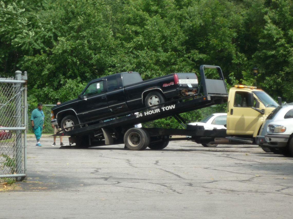 hamp being towed again.JPG